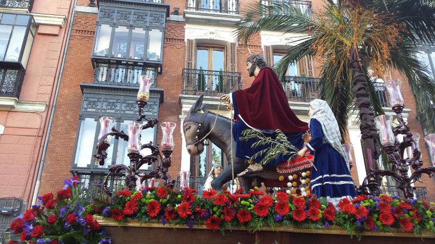 33 - Señor del Amor Madrid te esperaba, recibido eres entre palmas y olivos