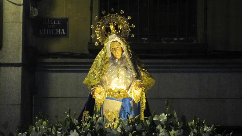 14 - Nuestra Señora de la Paz espera